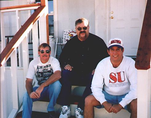 1998_MUSTERJohn Pitts_Pat_Vetzel_Bill_Powell.jpg (34278 bytes)